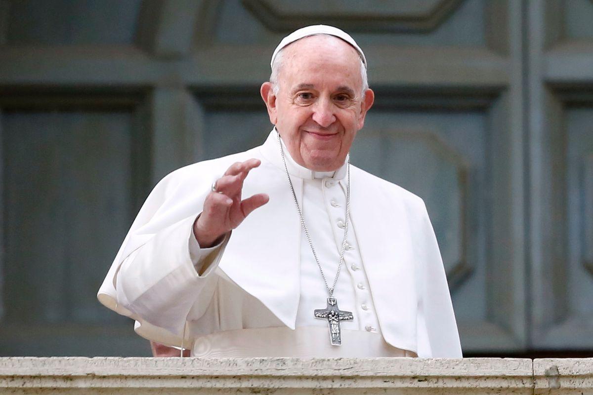 Papa Francesco IMG Papa Francesco benedice i corridori del Giro di Polonia