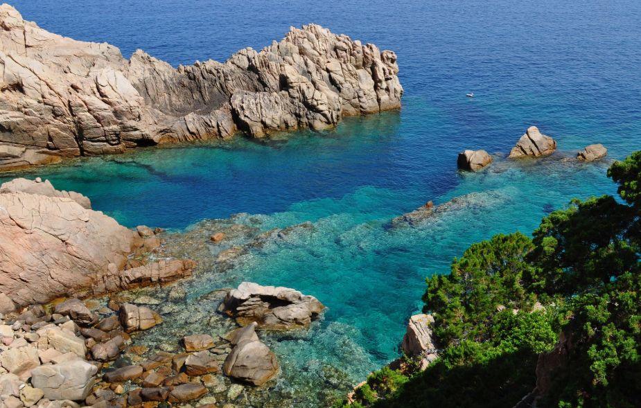 Ispra, il mare della Sardegna per il 99,7% è eccellente