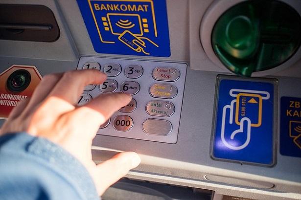 Cosa fare quando il bancomat scade