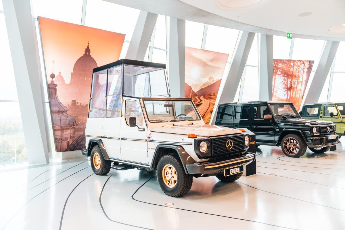 20200715 1816 Mercedes, la Papamobile compie 40 anni