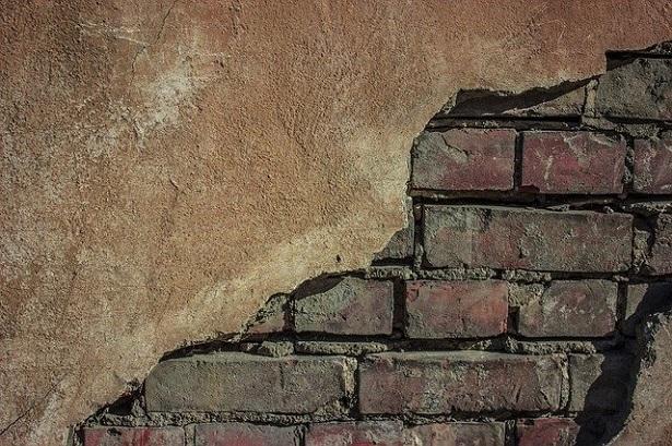 Come intonacare una parete