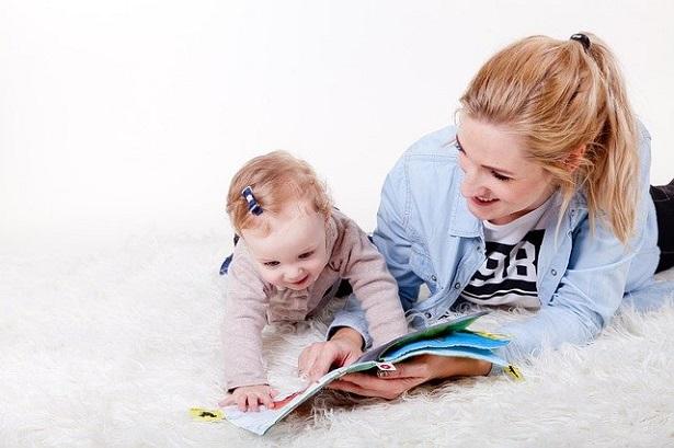lavorare come baby sitter
