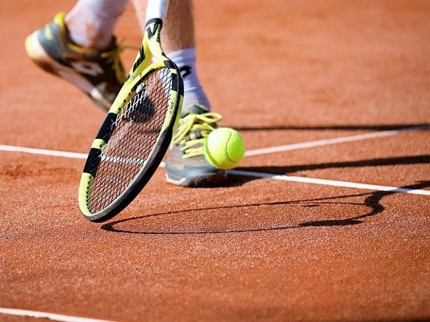 Come diventare istruttore di tennis