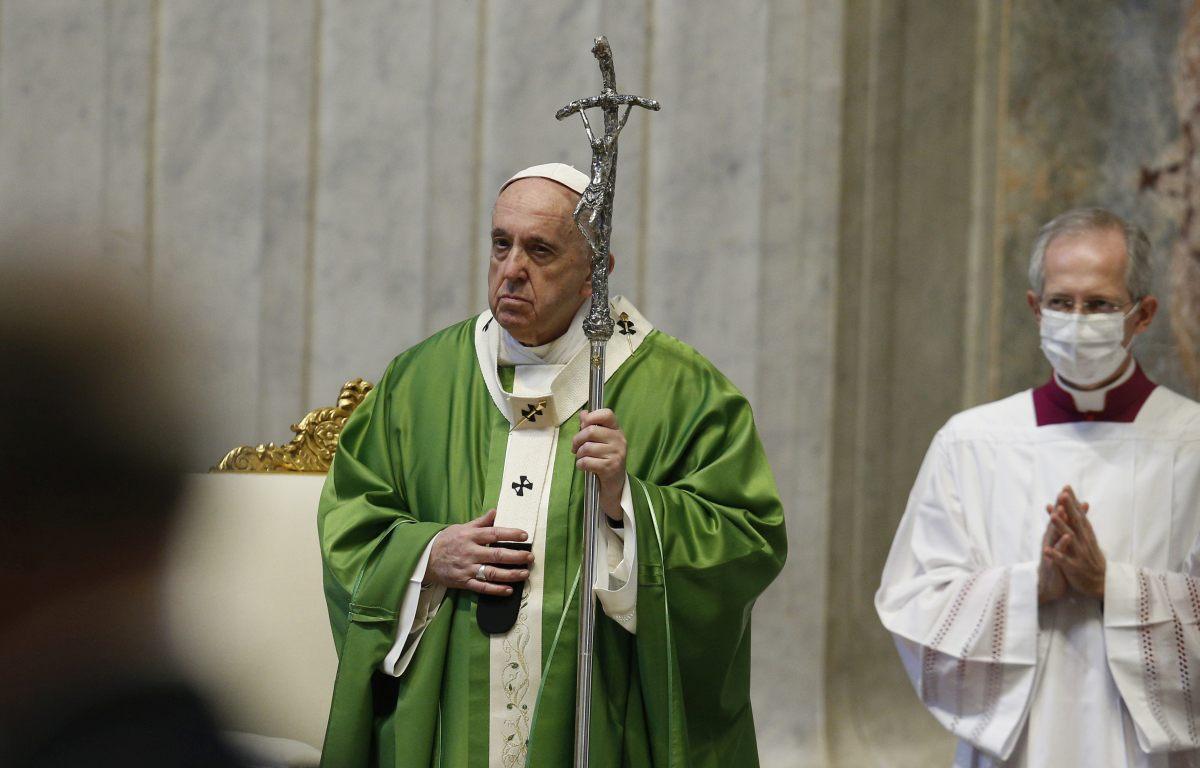 """Il Papa in Iraq """"Tacciano le armi, basta violenze ed estremismi"""""""