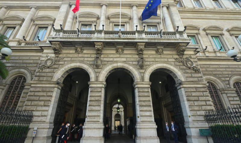 Bankitalia, a febbraio debito pubblico sale a 2643,8 miliardi
