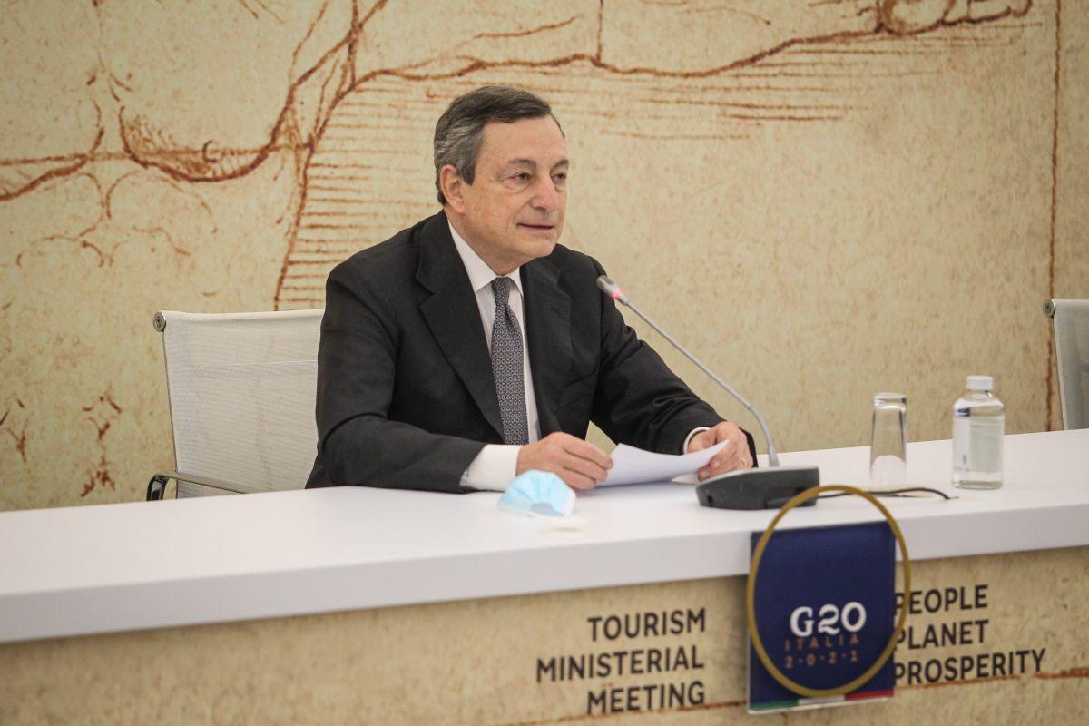 """Turismo, Draghi """"Da metà maggio il Green Pass nazionale"""""""