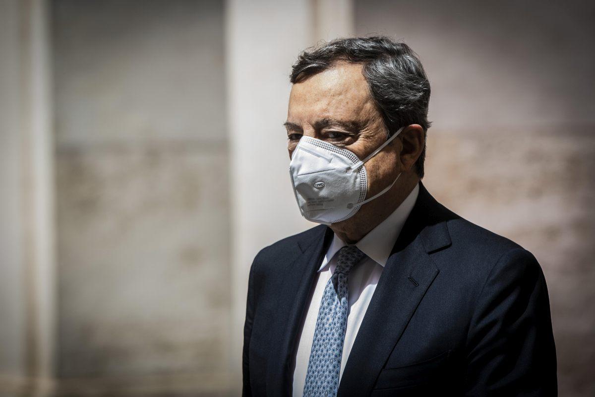 """Draghi """"Italia senza figli scompare, dal Governo impegno per i giovani"""""""