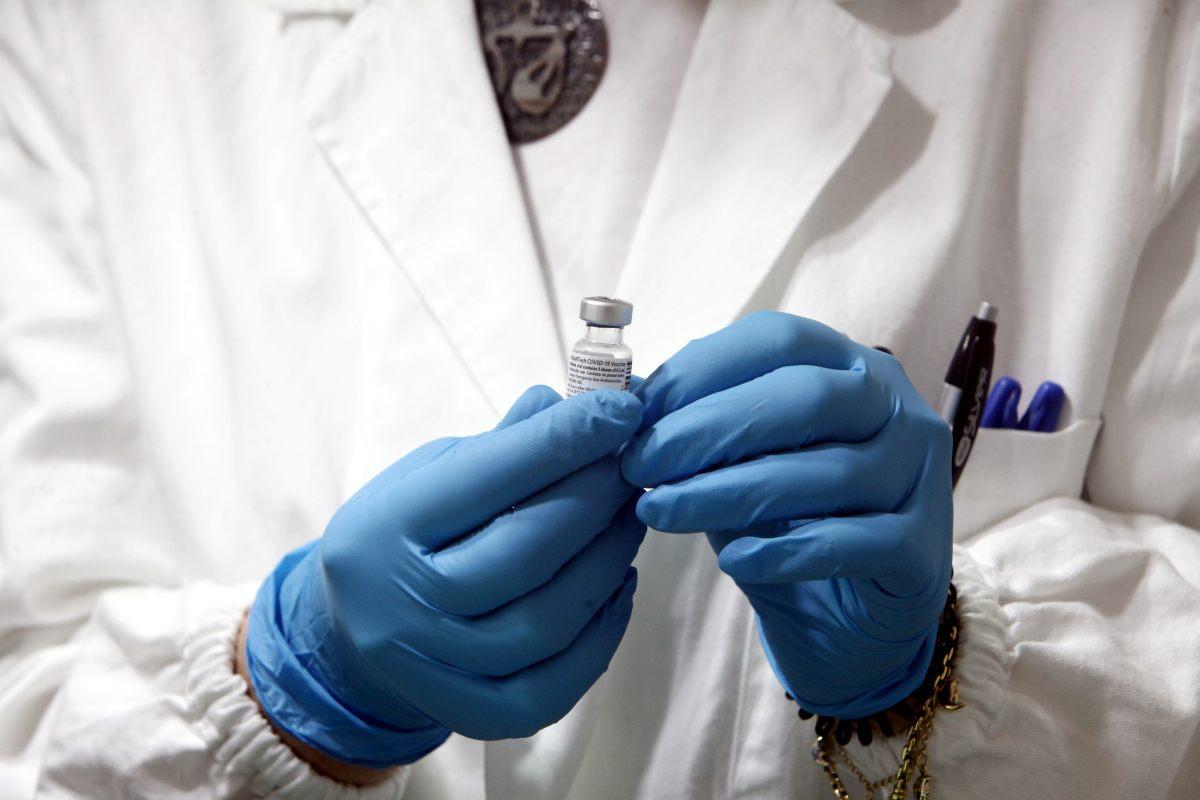Vaccini, Tar del Lazio respinge l'istanza sul richiamo a 35 giorni