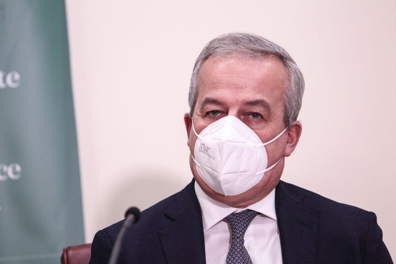 """Vaccino, Locatelli """"Astrazeneca solo per gli over 60"""""""