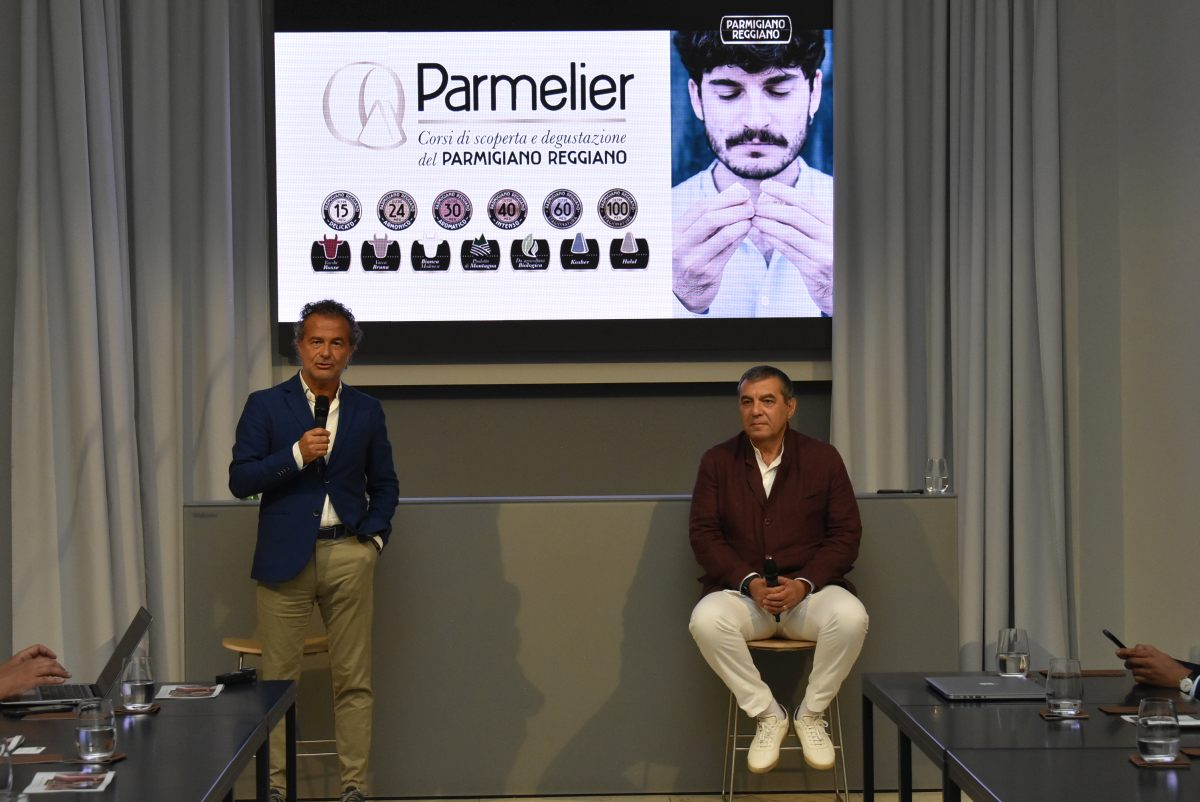 """Parmigiano Reggiano lancia il corso di degustazione """"Parmelier"""""""