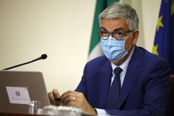 """Brusaferro """"Vaccino metodo più efficace per convincere no vax"""""""