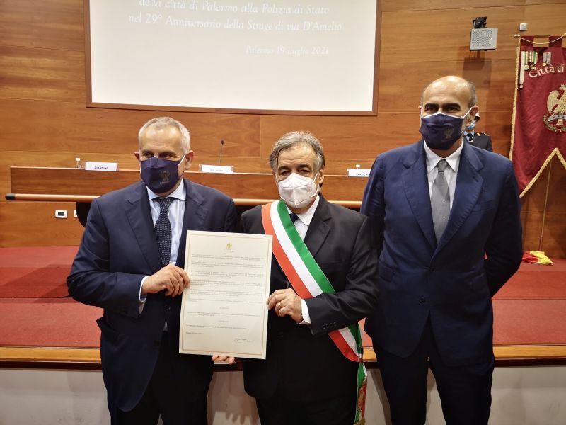 Via D'Amelio, cittadinanza onoraria di Palermo a Polizia di Stato