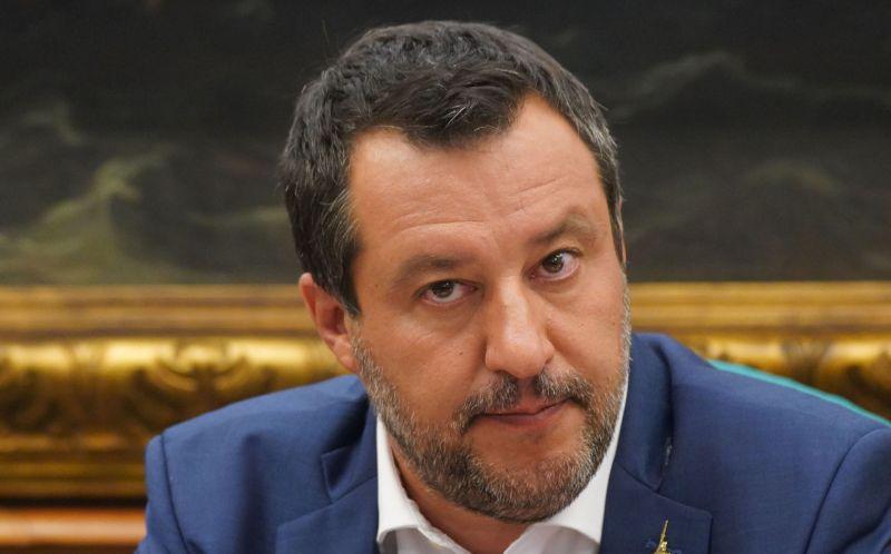 """Green Pass, Salvini """"Parlarne ora rovina stagione turistica"""""""
