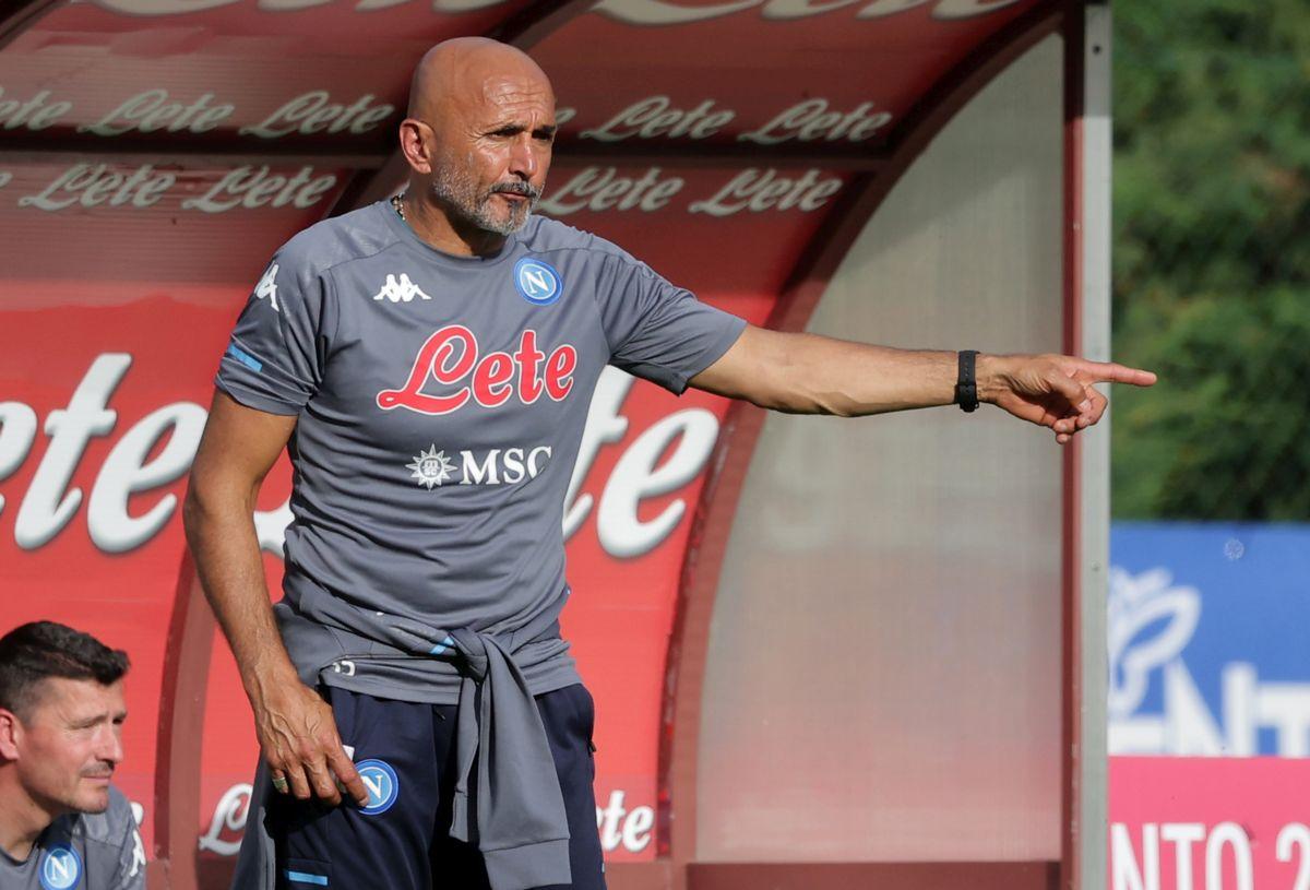 Napoli soffre ma vince in rimonta, 2-1 al Wisla Cracovia