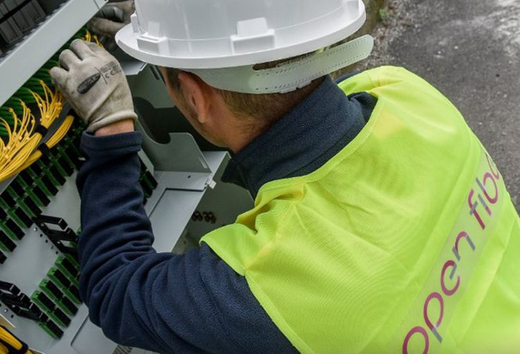 Enel cede 50% di Open Fiber per 2.650 milioni
