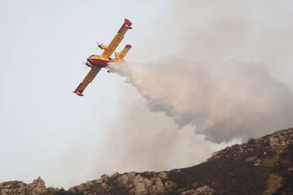 Paura per incendio a Scopello, evacuate 14 villette
