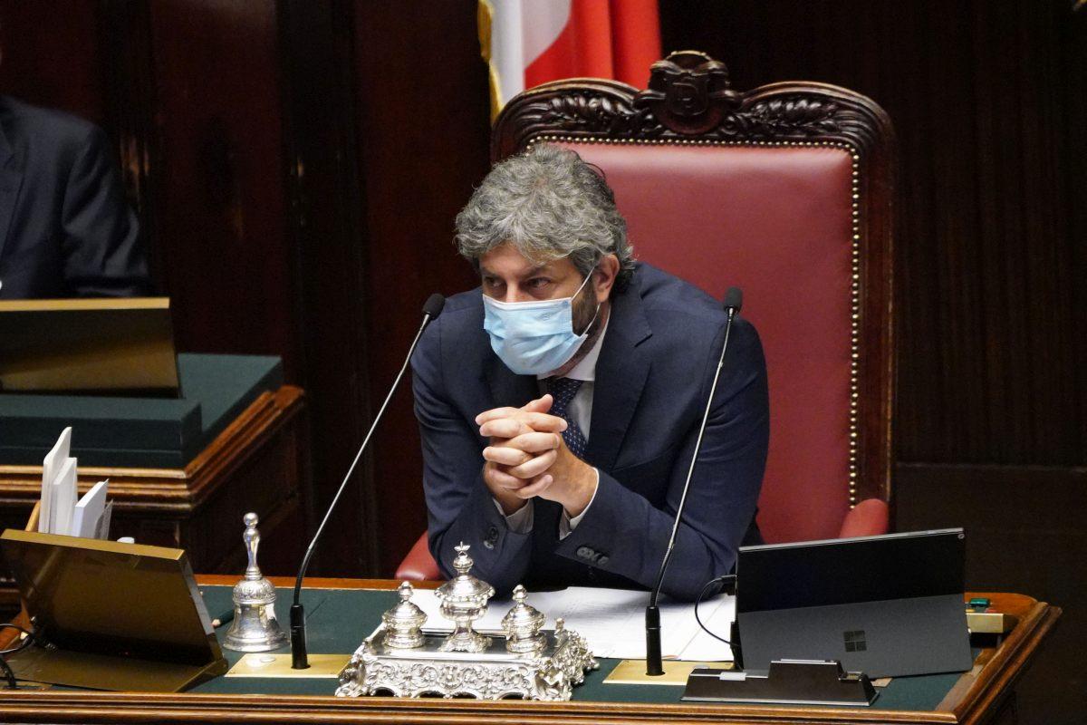 Obbligo di green pass anche alla Camera, i deputati recepiscono il Dl