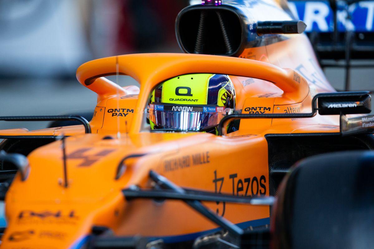 F.1, Norris in pole su Sainz a Sochi, Hamilton 4°