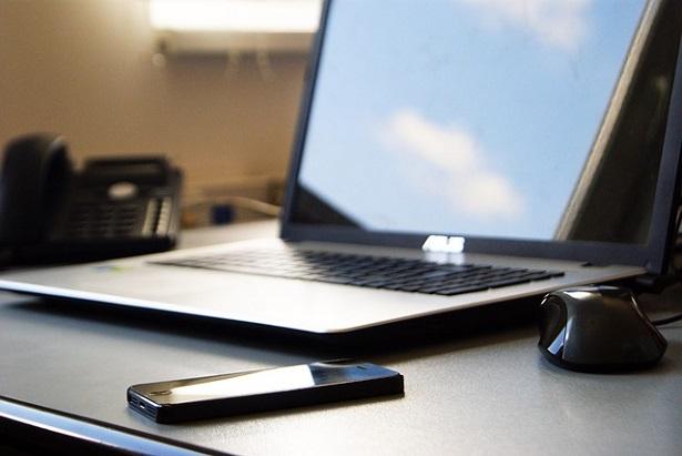 Come creare una postazione di lavoro ergonomica