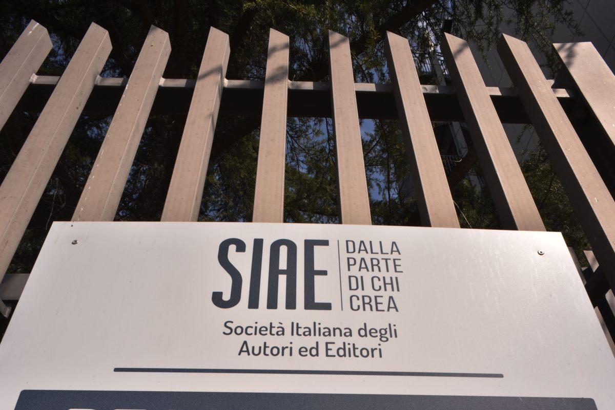 Attacco hacker alla Siae, rubati 60 gigabyte di dati sugli artisti