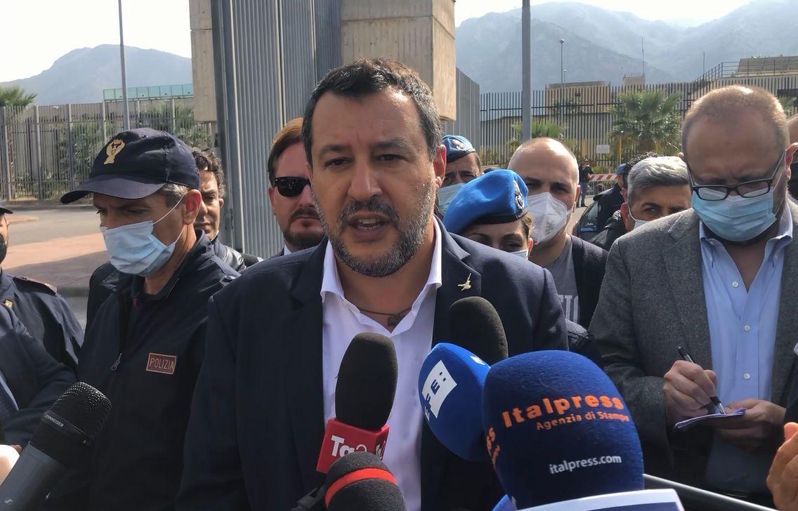 """Open Arms, Salvini: """"Andare a processo è surreale"""""""